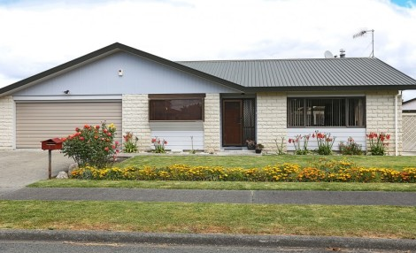 43 Whiting Crescent,